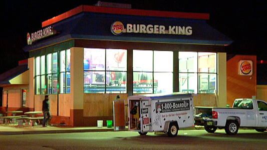 Burger King's smashed windows boarded up, KSTP-TV