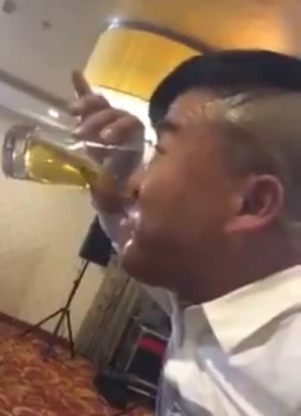 A man who nose his beer, Plokiju/LiveLeak
