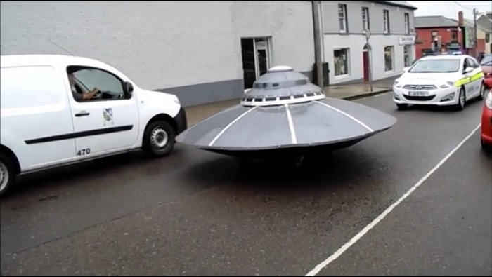 UFO chased by Police