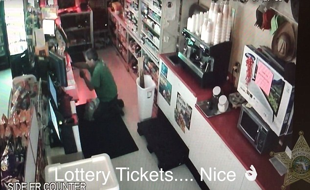 Lottery ticket thief breaks in, PBSO
